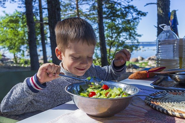 How to encourage children to eat fruits and vegetables