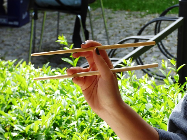 Eating With Chopsticks and Weight Loss